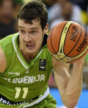 Slovenia's guard Goran Dragic accused Australia of 'tanking' against Angola.