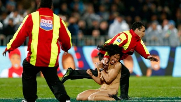 All Blacks coach Steve Hansen says tackling streakers on the field is too late.