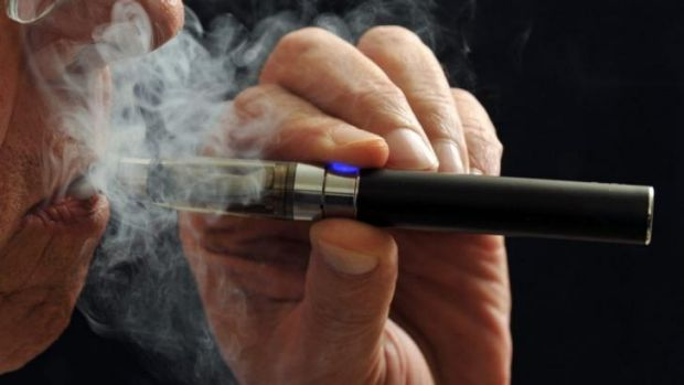 E-cigarettes are set to be treated the same as traditional cigarettes in Queensland.
