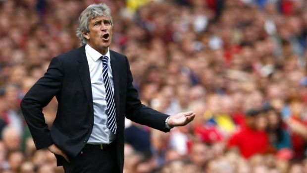 """""""Arsenal scored both goals with fouls. Of course he (Clattenburg) cost us victory"""": Manuel Pellegrini."""