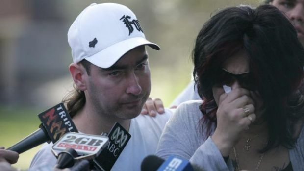 Kiesha's step-father Robert Smith, left, and her mother Kristi Abrahams, addressing the media in 2010.