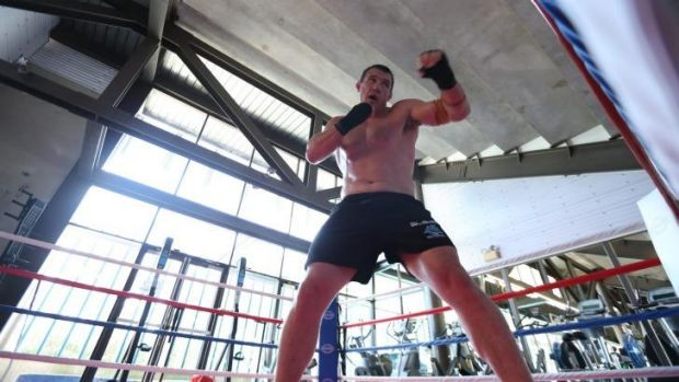 Paul Gallen sparring in the gym at Shark Park.
