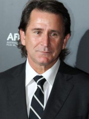Anthony LaPaglia is to get the Orry-Kelly award for contributing to the success of fellow Australians in the industry.