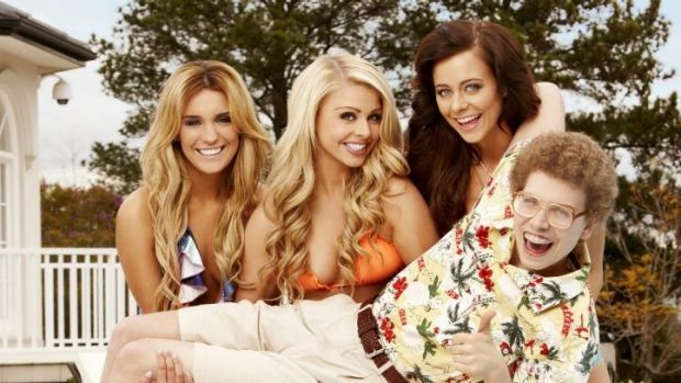 <i>Beauty and the Geek</i>: Nicole, Candice and Chrystal hold Nick.