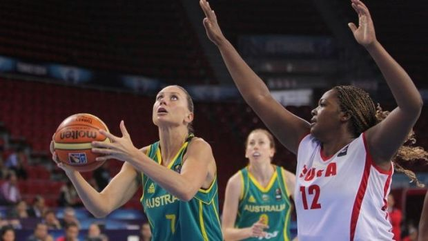 Penny Taylor gets set to shoot during the game against Cuba.