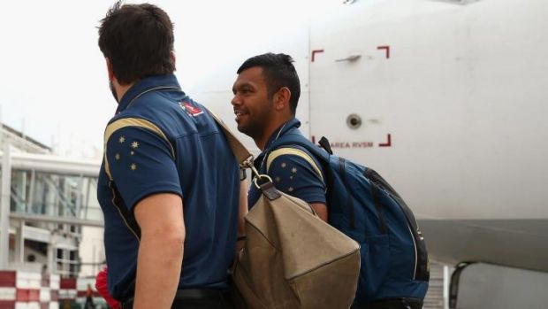 Beale with Adam Ashley-Cooper arrive at Mendoza Airport.