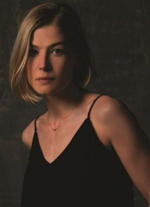 """""""It does make you look at yourself"""": Rosamund Pike as the manipulative Amy Elliott-Dunne in <em>Gone Girl</em>."""