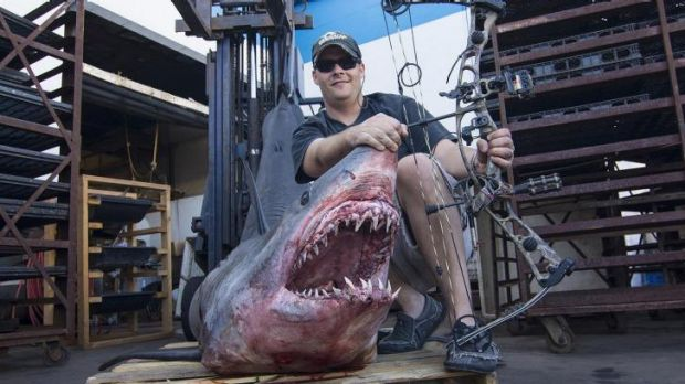 Jeff Thomason with his world record mako shark catch.