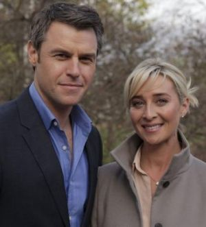 Rodger Corser as David McLeod and Asher Keddie as Kate Ballard in the mini-series <i>Party Tricks</i>.
