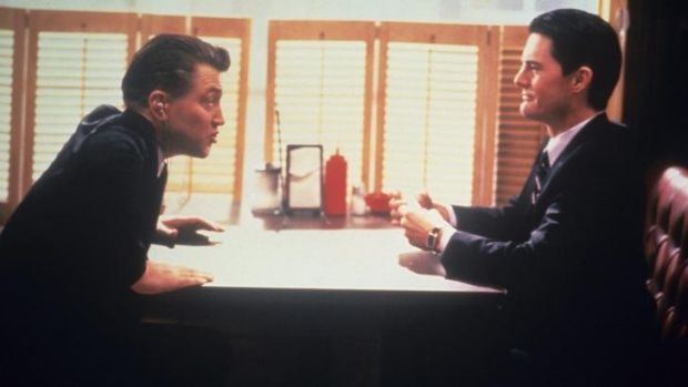 David Lynch and Kyle MacLachlan on the set of <i>Twin Peaks</i>.