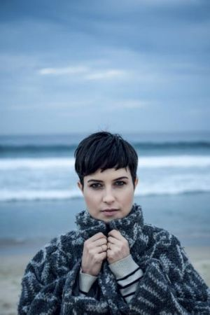 Missy Higgins: Circuit breaker.