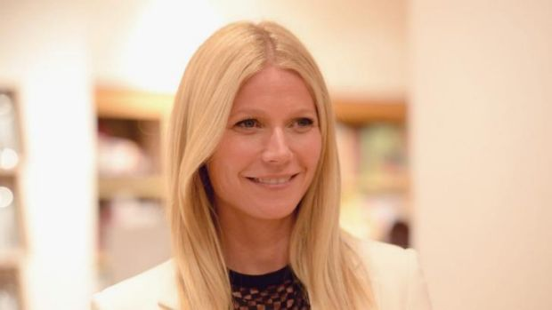 Actress Gwyneth Paltrow hosted a fundraiser for US President Barack Obama at her Los Angeles home.