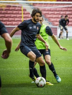 Thomas ?Broich trains with his Roar teammates ahead of their opening A-League match at Suncorp Stadium.
