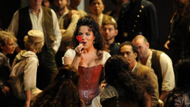 Nancy Fabiola Herrera as Carmen & the Opera Australia Chorus.