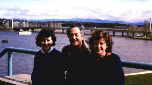 25 years ago: Dan Lee with his daughters Julie Anne and Margaret at Regatta Point in 1988.