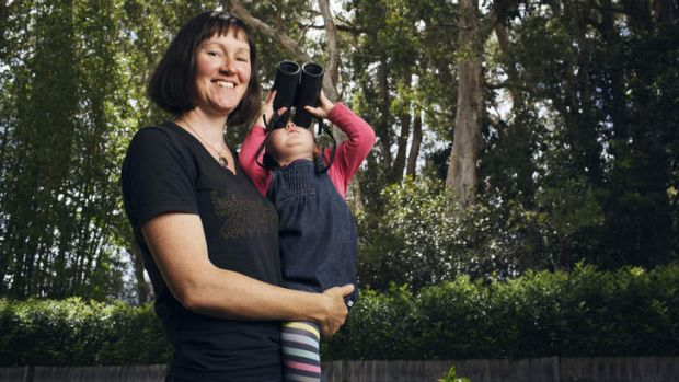 Elizabeth Noble of Brooklyn, with her daughter Ruby, will try to count birds every day this week.