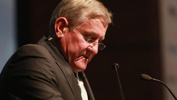 On stand-by: Industry Minister Ian Macfarlane knows the value of a quick mid-speech power nap.