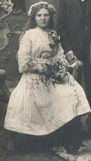 Pictured here at her sister's wedding in 1911, Alma Cowie was shot dead when a picnic train was attacked leaving Broken ...