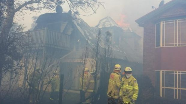 A bushfire in the Blue Mountains on the weekend destroyed one home in Katoomba.