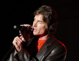 Soap star: Catch Ron Moss and Player at Erindale on Saturday.