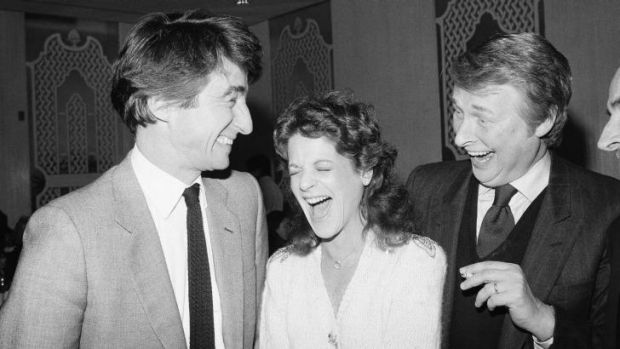 Gilda Radner, centre, and Sam Waterston, left, stars of the Broadway comedy <i>Lunch Hour</i>, share a laugh with Mike ...