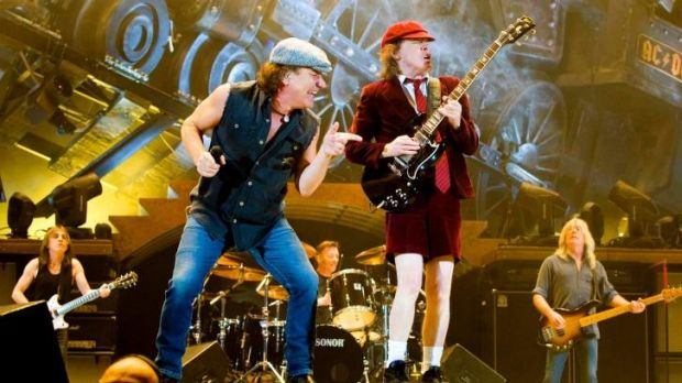 Brian Johnson and Angus Young on stage in Oslo 2009. In 2015 they've planned to tour the world.