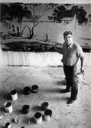 Rolf Harris and his mural at Warrnambool in 1986.