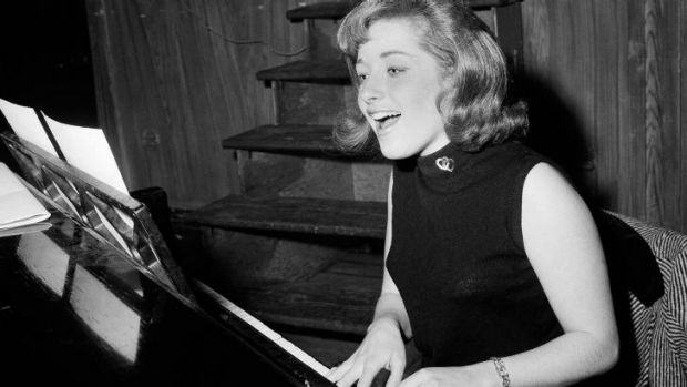 Lesley Gore rehearsing in 1966.