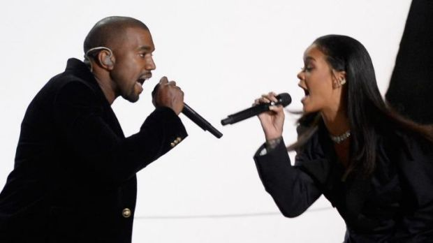 Kanye West (L) and Rihanna perform <i>FourFiveSeconds</i> during Grammys.