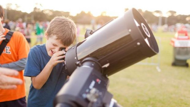 Budding astronomers have flocked to participate in the world's largest astronomy lesson.