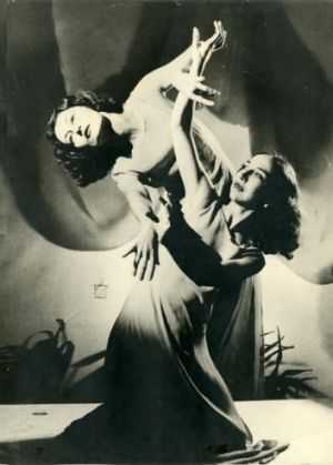 Eileen (left) as a dancer with the Bodenwieser Dance Company.