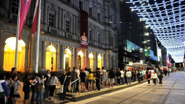 It's 4.45am and already the queues are long. Boxing Day bargain-hunters  in the Bourke Street mall outside Myer yesterday.