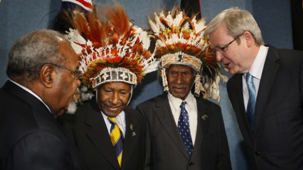 """Prime Minister Kevin Rudd and his PNG counterpart  Sir Michael Somare  with """"Fuzzy Wuzzy Angels"""" Dickson Hango and ..."""
