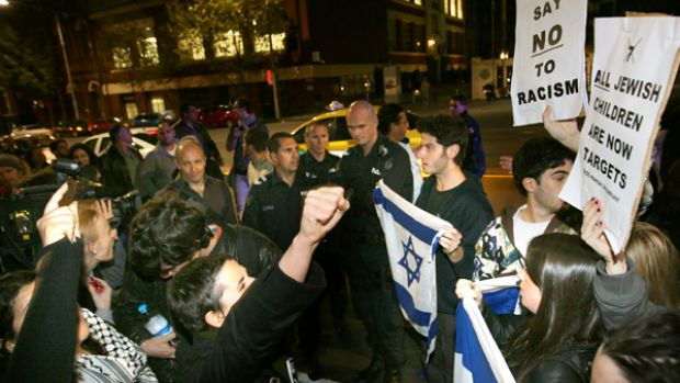 Jewish protesters and Palestinian supporters outside the State Library for the reading of Seven Jewish Children.