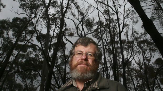 """The worst situation you can have'': Bushfire specialist and scientist Kevin Tolhurst describes the behaviour of the ..."