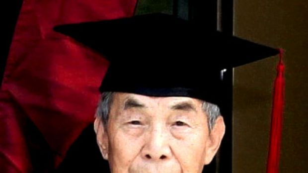 'Grandpa Chao' ... 96-year-old Chao Mu-he pulled all-nighters to compete with younger students.