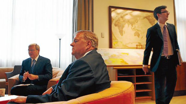 Kevin Rudd, Kim Beazley and Alistair Jordan in the Prime Ministers Office.