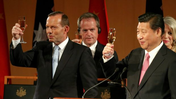 Prime Minister Tony Abbott, Opposition Leader Bill Shorten and Chinese President Xi Jinping toast during an official ...