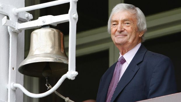 Richie Benaud rings the bell at Lord's in 2009.