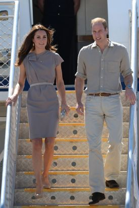 Catherine, Duchess of Cambridge and Prince William, Duke of Cambridge arrive at Ayres Rock on April 22, 2014.