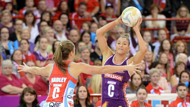 BRISBANE, AUSTRALIA - JUNE 21: Kimberley Ravaillion of the Firebirds looks to pass during the 2015 ANZ Championship ...