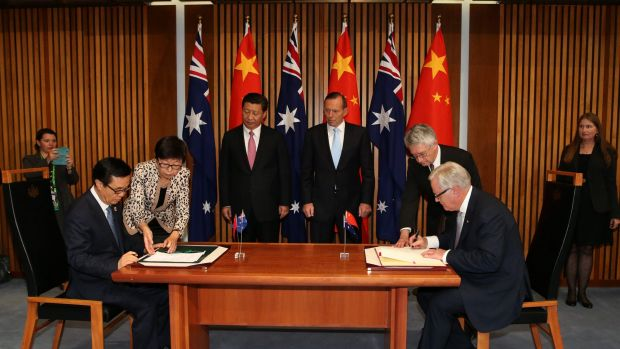 Chinese President Xi Jinping and PM Tony Abbott witness the Signing of the Declaration of Intent on the Australia/China ...