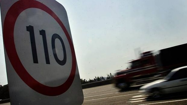 An LNP government would review the speed limits on 100 Queensland roads.