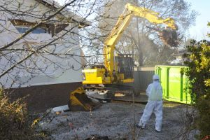 Demolition of a mr fluffy home at 8 flower place Melba.