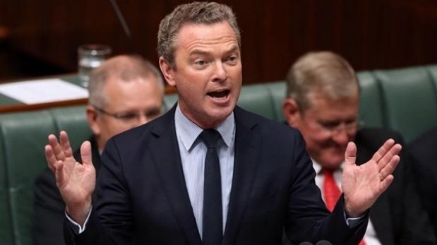 Education Minister Christopher Pyne has defended a family Christmas trip to Sydney.