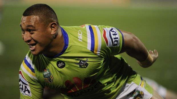 Sport: Titans' Wallace to cop shoulder charge ban ...
