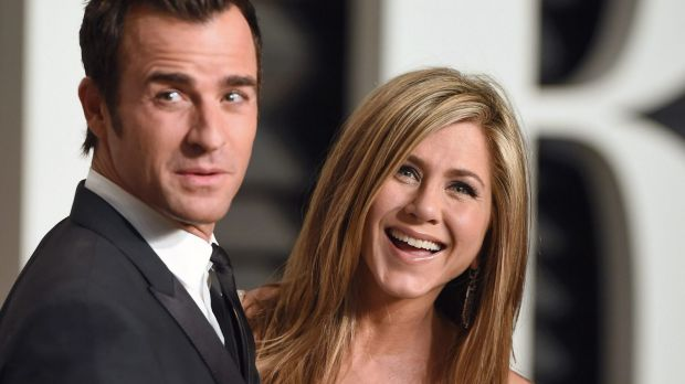Justin Theroux and Jennifer Aniston arrive at the 2015 Vanity Fair Oscar Party on February 22, 2015 in Beverly Hills, ...