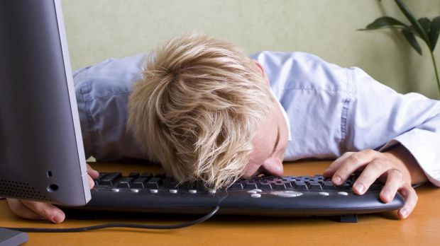 Are Australian schools wasting their money on laptops and iPads for students?
