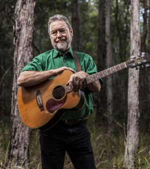 Country star John Williamson back at the Gympie Muster 2016.