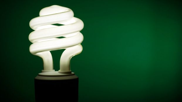 The Queensland Productivity Commission report says the electricity industry should be deregulated.